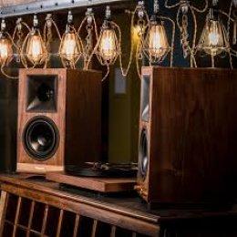 Klipsch The Sixes - Powered Bookshelf Speakers