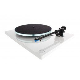 Rega Planar 3 Turntable (What HiFi? Awards 2020)